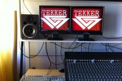 PC mit TEKKER Logos